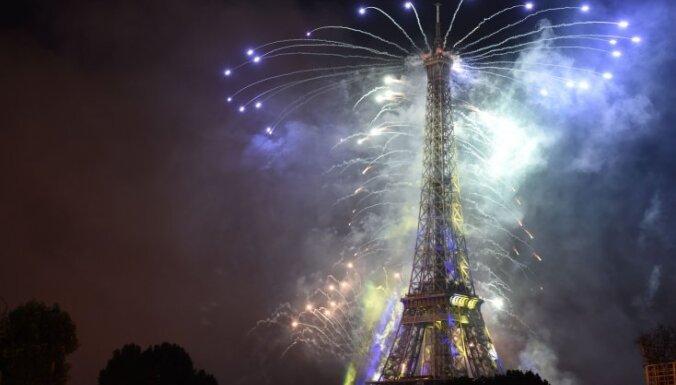 СМИ: Эйфелеву башню защитят от террористов с помощью стеклянной стены