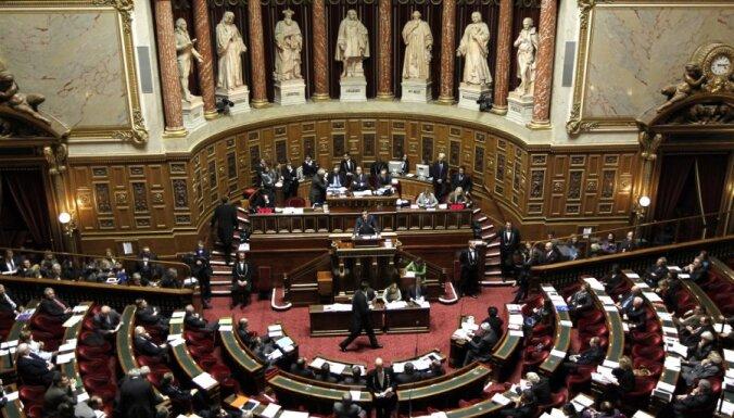 Francijas Senāts pieņem likumprojektu par armēņu genocīda noliegšanas kriminalizēšanu