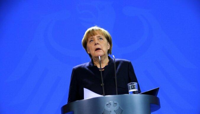 """Меркель отклонила требование Джонсона пересмотреть соглашение о """"Брекзите"""""""