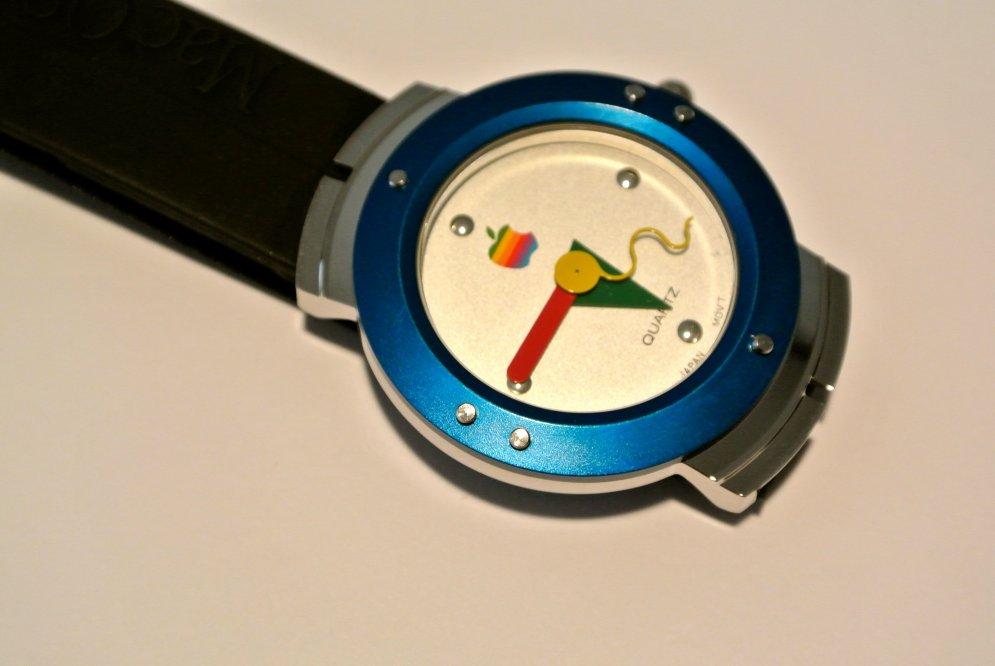 Часы Apple Watch для людей были сделаны еще в далеком 1995 году! (продаются)