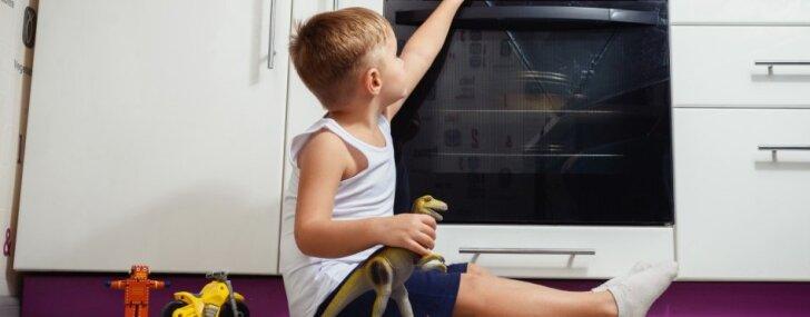 Врач: правилам детской безопасности родителей надо учить до рождения ребенка