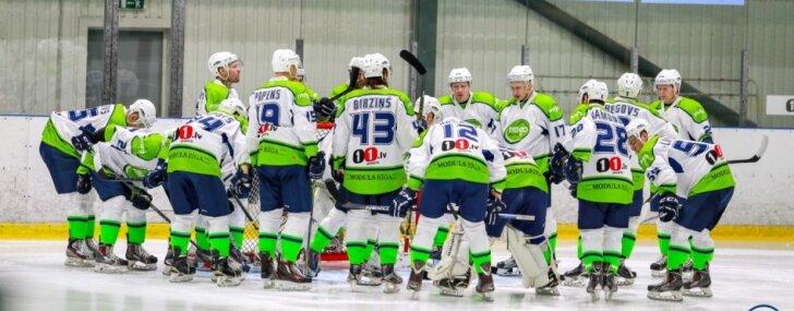 'Mogo' hokejisti virslīgas spēlē izrauj uzvaru pār spēcīgo 'Kurbads'