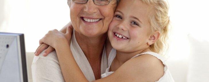 Gudrās vecmāmiņas jeb kā iemācīties neiejaukties mazbērnu audzināšanā