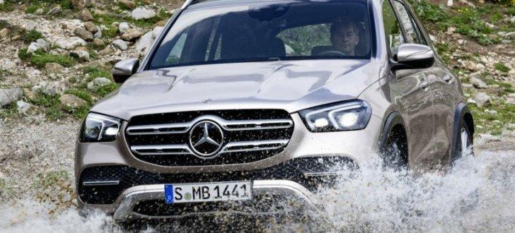 'Mercedes' parādījis jauno 'GLE' konkurencei ar 'BMW X5'