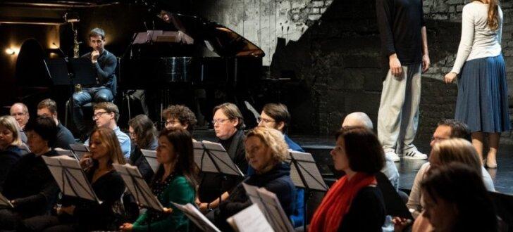 Top Simtgades uzveduma 'Zemgales gredzens' kino koncerts 'Vēstures palos'