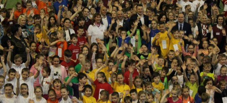 Foto: Nacionālo kultūras biedrību bērni un jaunieši vienoti sporto Rīgā