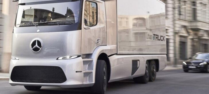 'Mercedes' elektriskais kravas auto spēj nobraukt līdz 200 km distanci