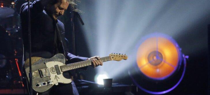 Rokenrola slavas zālē uzņem 90. gadu grandus no 'Pearl Jam'