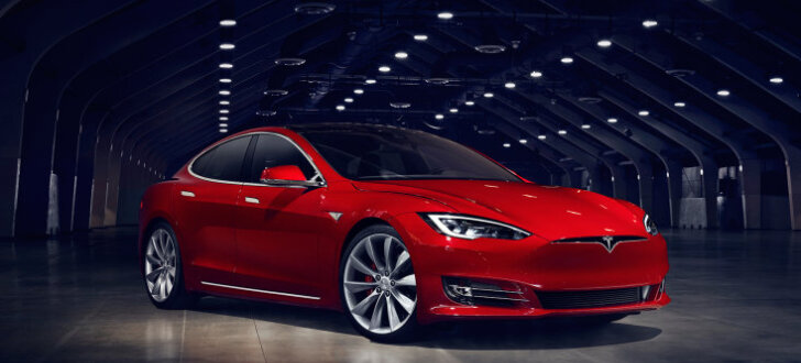 'Tesla' jaunā 'P100D' versija kļuvusi par visātrāko sērijveida auto pasaulē