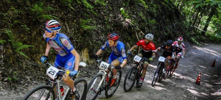 Foto: Latvijas MTB braucēji dominē UCI XCO sacensībās Siguldā