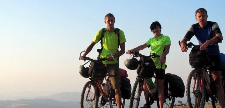 Kā trīs latvieši šķērsoja Indiju ar velosipēdiem