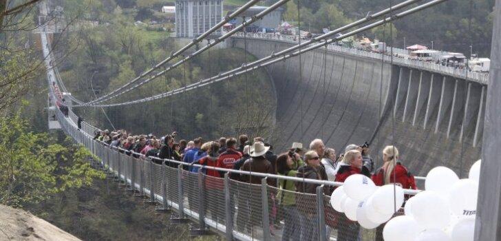 В Германии построили самый длинный в мире пешеходный висячий мост