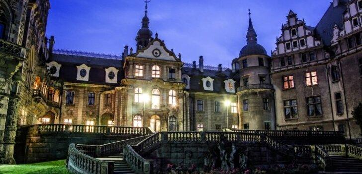 Mošnas pils Polijā – viena no krāšņākajām pilīm pasaulē