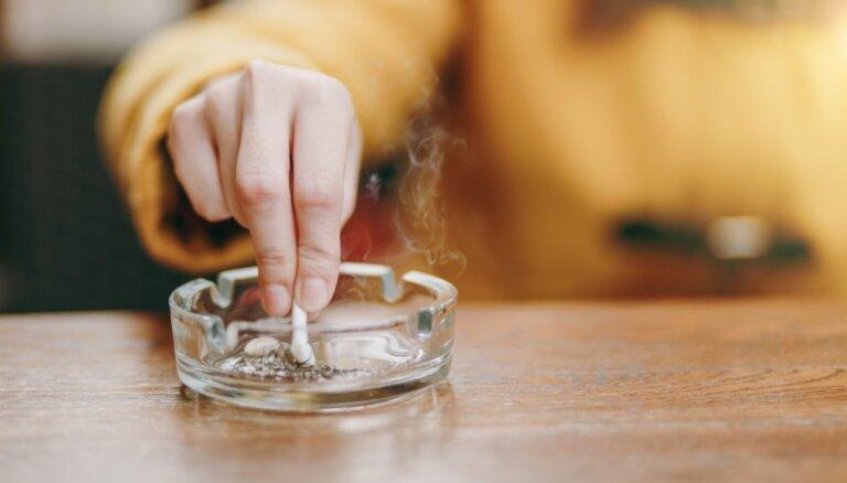 Narkoloģe: lai atbrīvotos no smēķēšanas, pusaudzim nepieciešams ģimenes atbalsts