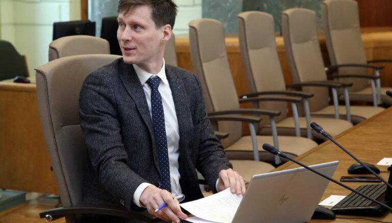 Nemiro apņēmies ierobežot pašvaldību avīžu izdošanu; lielākais izaicinājums – OIK likvidācija
