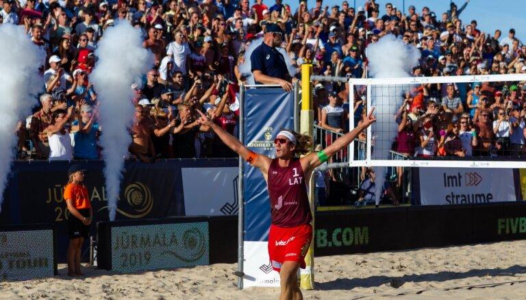 Valdība atbalsta teju 350 000 eiro piešķiršanu EČ pludmales volejbolā Jūrmalā