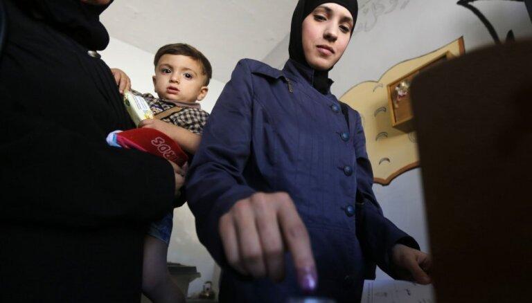 Sīrijas valdības kontrolētajās teritorijās notiek pirmās vēlēšanas kopš 2011. gada