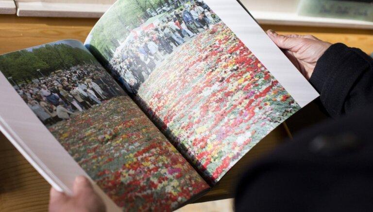 Pašizdoto fotogrāmatu šarms. Fons Stricka villā atklāta 'Self Publish Riga' izstāde