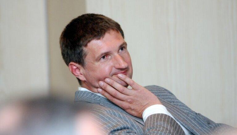 Stendzenieks: Latvijai 'World Expo 2015' nav jāpiedalās 'par katru cenu'