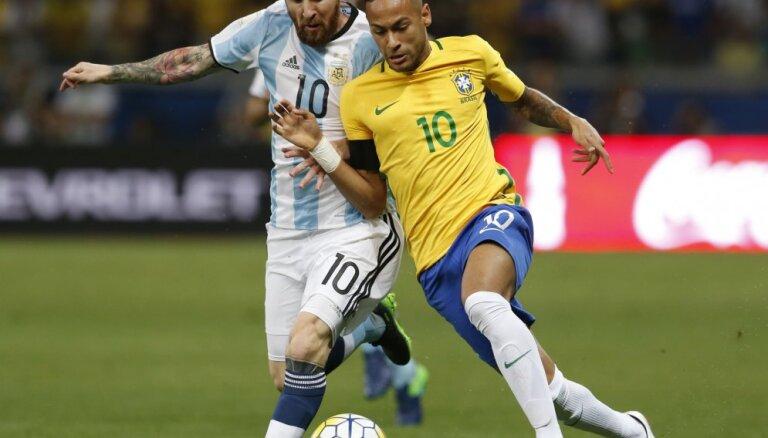 ВИДЕО: Бразилия громит Аргентину с Месси, Неймар забил 50-й гол за сборную