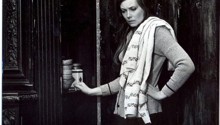 Nacionālā teātra aktrisei Astrīdai Kairišai – 75