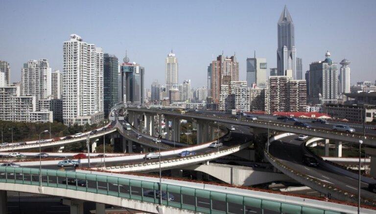 Ķīna: ASV lēmums iepludināt līdzekļus ekonomikā var radīt jaunu krīzi