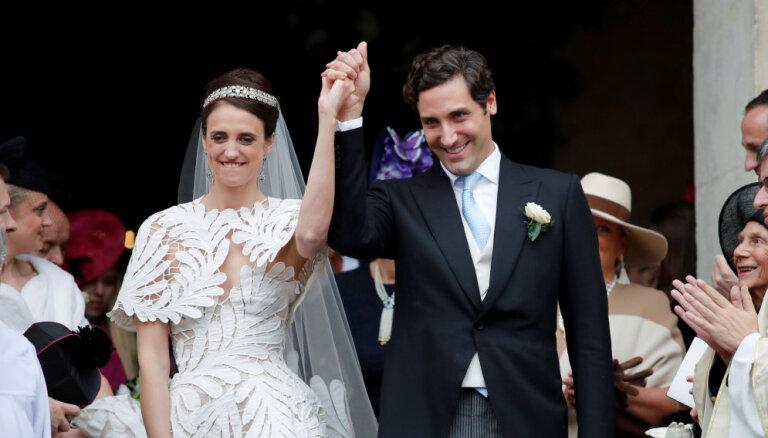 Krāšņi foto: Kā Napoleona Bonaparta pēctecis ar austriešu grāfieni Parīzē precējās