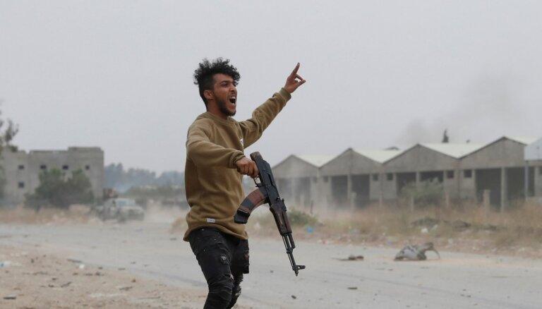 Дипломат: ЕС должен пригрозить применением военной силы в Ливии