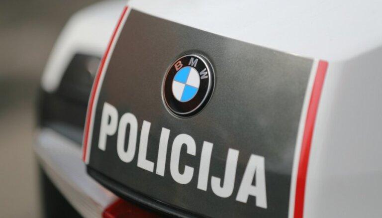 Četru auto sadursmē Rīgā dažādas traumas gūst divi cilvēki