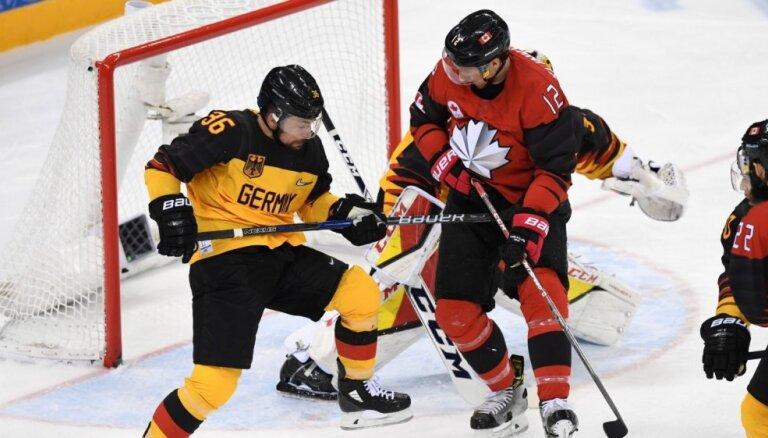 Vācijas hokejisti šokē arī Kanādu un sasniedz olimpisko spēļu finālu