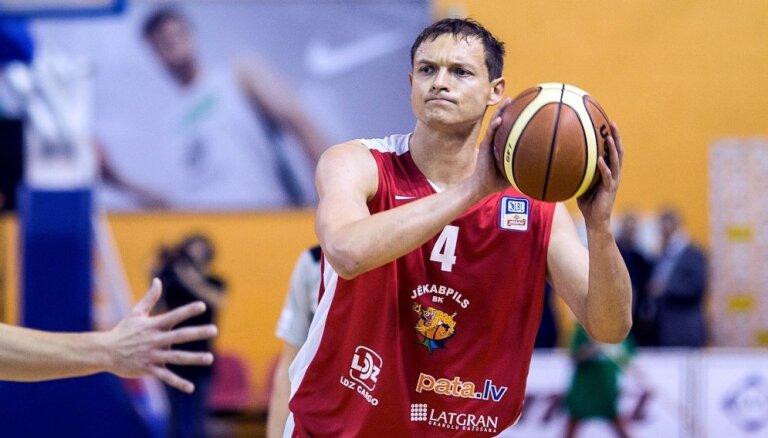 'Jēkabpils' basketbolisti mazrezultatīvā cīņā pārspēj 'Jūrmala'/ 'Fēnikss'