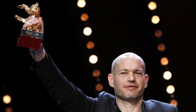 Berlīnes kinofestivāla 'Zelta lāci' saņem Izraēlas režisora Lapida filma 'Synonymes'