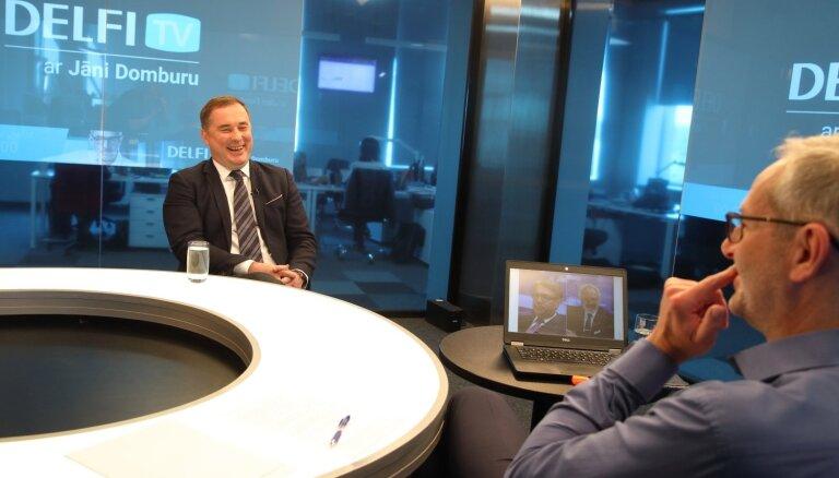 'DELFI TV ar Jāni Domburu' atbild prezidenta amata kandidāts Šmits. Pilns ieraksts