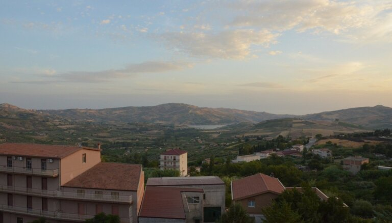 Vēl vienā Itālijas pilsētiņā pārdod mājas par 1 eiro