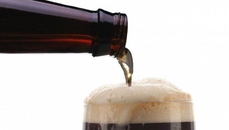 Latvijas Alus darītāju savienība neprognozē būtisku alus pārdošanas apmēra kritumu