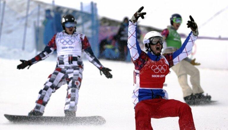 Francūzis Voltjē kļūst par olimpisko čempionu snovbordā krosā