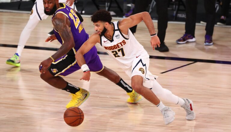 'Lakers' pēc desmit gadu pārtraukuma atgriežas NBA finālā