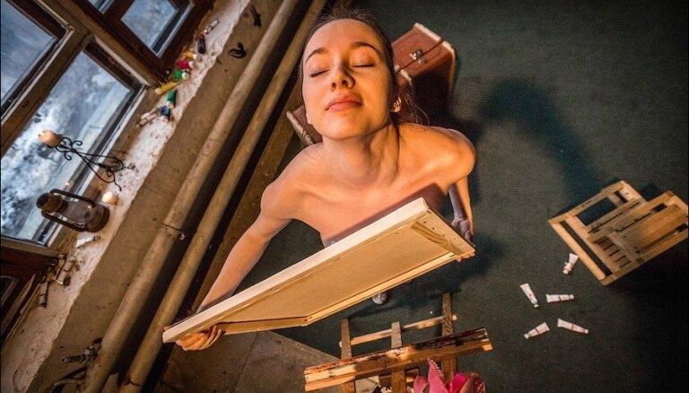 Iedvesmojoši foto: Krievu māksliniece, kas glezno ar pupiņiem