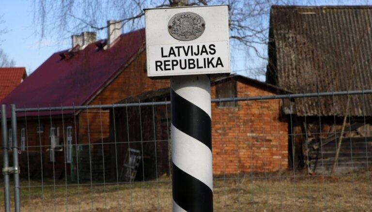 Robežsardzei anketas par 28 000 Latvijā iebraukušajiem; robežu šķērso ap 2000 dienā