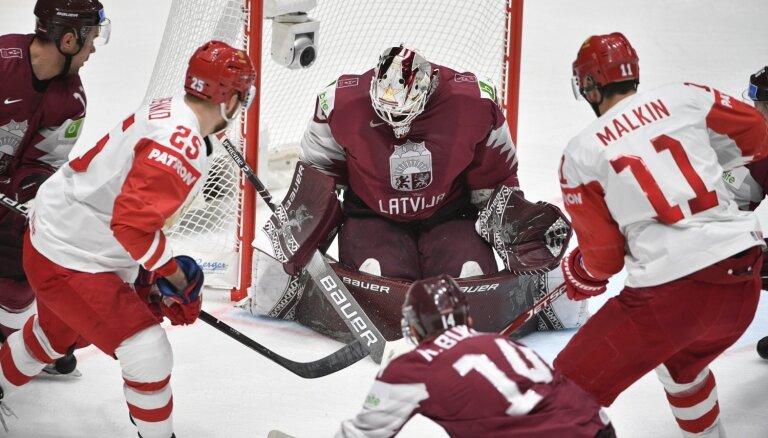 Latvija mačā pret zvaigžņoto Krieviju otrajā periodā izlaiž minimālu pārsvaru