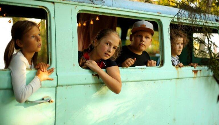 Uz ekrāniem nonāks jauna ģimenes piedzīvojumu filma 'Vecā dārza noslēpums'