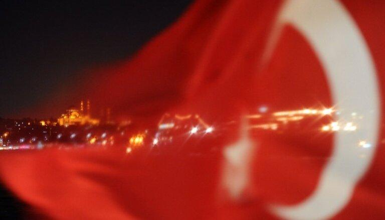 Valdošās partijas kandidāts atzīst sakāvi atkārtotajās Stambulas mēra vēlēšanās