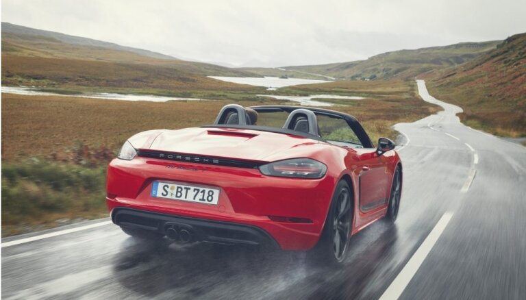 Jaunais 'Porsche 718 T' – noreducēts līdz tīram braukšanas priekam