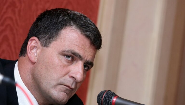 """Дзинтарс и Берзиньш отсудили у Мирского 1000 латов за """"нацистов"""""""
