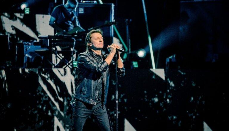 Noklausies! Ivo Fomins publicē 'Zelta mikrofona' ceremonijā pirmatskaņoto dziesmu 'Cilvēks'