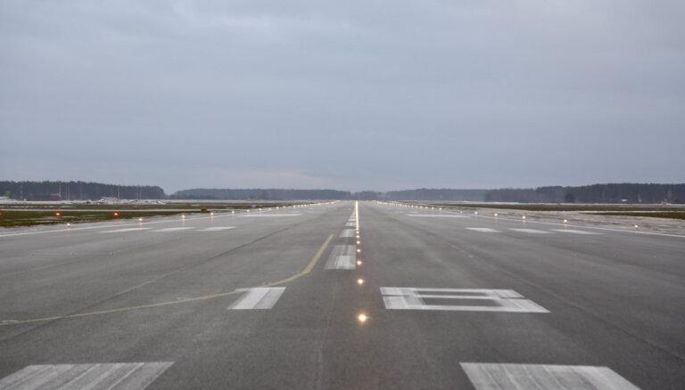 Lidostā paaugstinātas drošības režīmā sagaidīts reiss no Kopenhāgenas