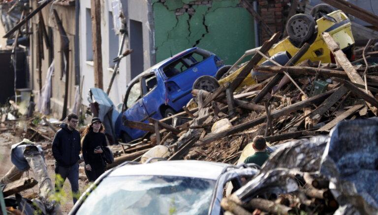 ФОТО, ВИДЕО. На Чехию обрушился мощный торнадо: деревни частично сравняло с землей