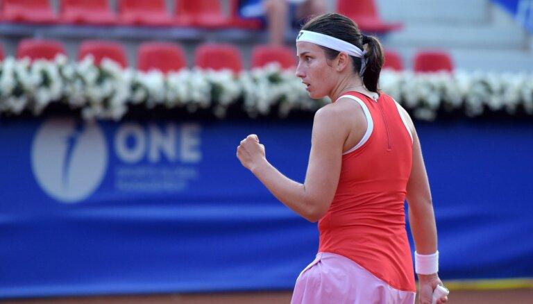 Arī Sevastova iekļūst Īstbornas 'WTA 500' turnīra ceturtdaļfinālā