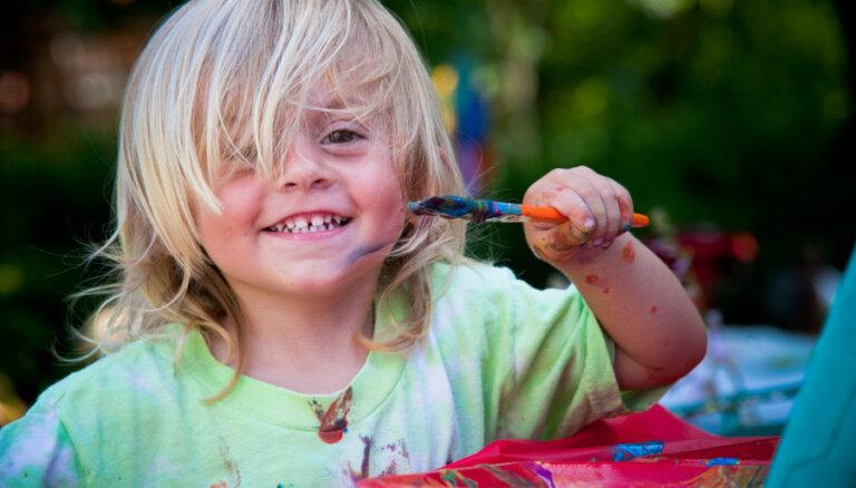Aicina pieteikt bērnus bezmaksas vasaras brīvlaika radošajām darbnīcām 'Pieloki pūru Latvijai'