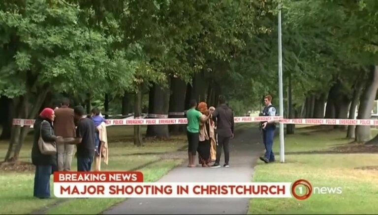 Jaunzēlandē apšaudēs divās mošejās nogalināti 40 cilvēki